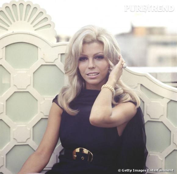 """Nancy Sinatra avait interprété le thème de """"You Only Live Twice""""."""
