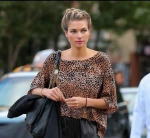 Jessica Hart : sauvage et féminine dans les rues de New York... A shopper !