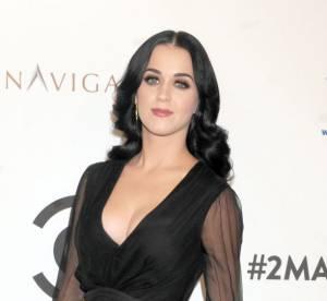 Katy Perry : 10 ans d'un coup avec cette robe fleurie !