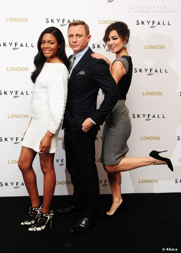 "James Bond et ses James Bond Girls à l'avant-première de ""Skyfall"" à Londres..."