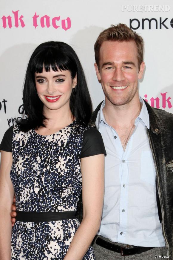 Dans la série, Chloe et James sont meilleurs amis. Sur le tapis rouge, la bonne humeur a aussi l'air au rendez-vous.