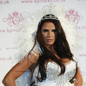 Katie Price, modèle photo glamour, femme d'affaires, chanteuse, écrivaine... mais pas it-girl.