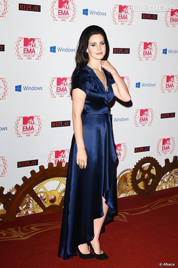 Lana Del Rey, bleu nuit.