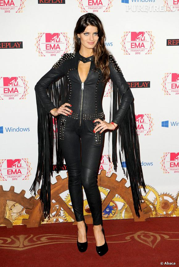 Isabeli Fontana, un ange noir.