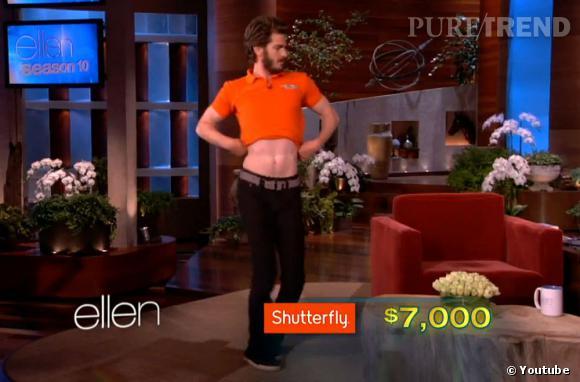 Andrew Garfield n'a pas peu du ridicule, surtout si c'est pour la bonne cause. Il exécute une magnifique danse du ventre.