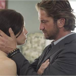 Mais Gerard Butler ne cherchait rien de sérieux, contrairement à Jessica Biel. Tant pis pour lui, aujourd'hui Jessica est une mariée heureuse.