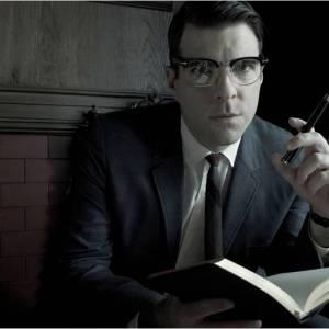 """Zachary Quinto dans """"American Horror Story"""" saison 2... Un docteur aux pratiques douteuses."""