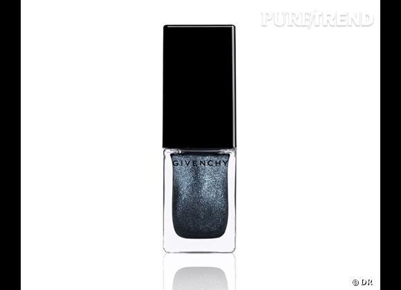 Le must have d'Aurélie      Vernis à ongles Vernis Please Enchanted Mat Grey, édition limitée, Givenchy, 17 €