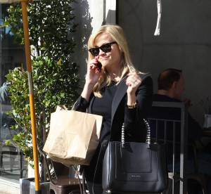 Reese Witherspoon, maman chic et sexy... a shopper