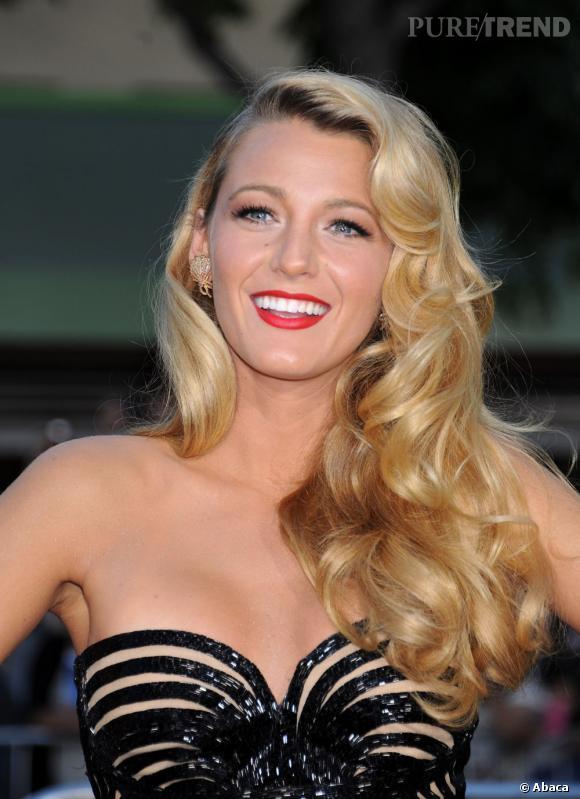Les plus beaux make-up de 2012 : Ambiance 50's sur le tapis rouge avec une Blake Lively plus vamp tu meurs.