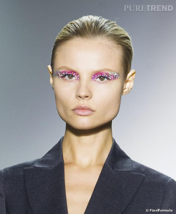 Les tendances beauté 2013 :   La paupière bijou