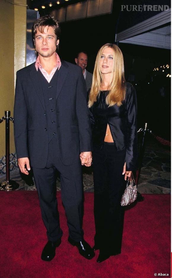 """Jennifer Aniston et Brad Pitt à la première de """"Fight Club"""" en 1999. Bien assortis, ils font rêver."""