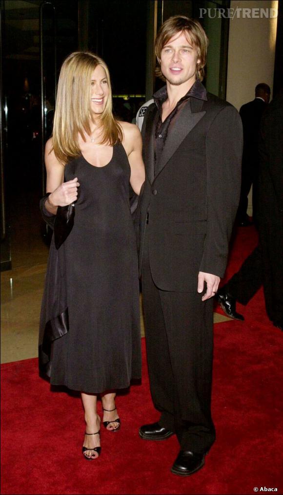 Jennifer Aniston et Brad Pitt en 2000. Total look black en duo pour le couple qui fait rêver les américains.