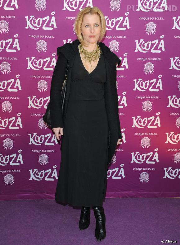 Gillian Anderson ne fait pas beaucoup d'efforts pour aller assister au spectacle du Cirque du Soleil à Londres.