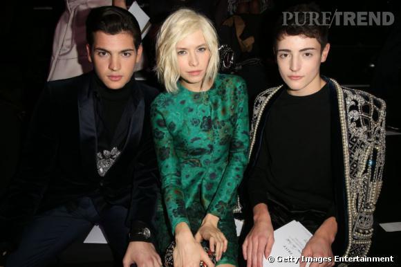 Peter II Brant, Elena Perminova et Harry Brant au défilé Armani Privé lors de la Fashion Week Haute Couture de Paris.