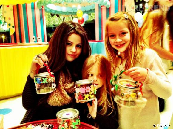 Selena Gomez a décidement un bon feeling avec les enfants !