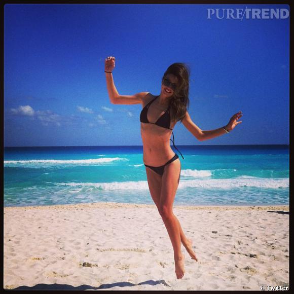 Miranda Kerr nous dévoile son corps de rêve, lors de vacances de rêve...