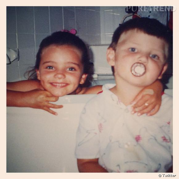 Miranda Kerr partage une photo de famille, avec son frère !