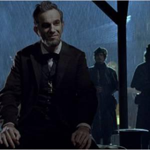 """""""Lincoln"""" revient sur les derniers mois du mandat du Président des États-Unis célèbre pour avoir aboli l'esclavage."""