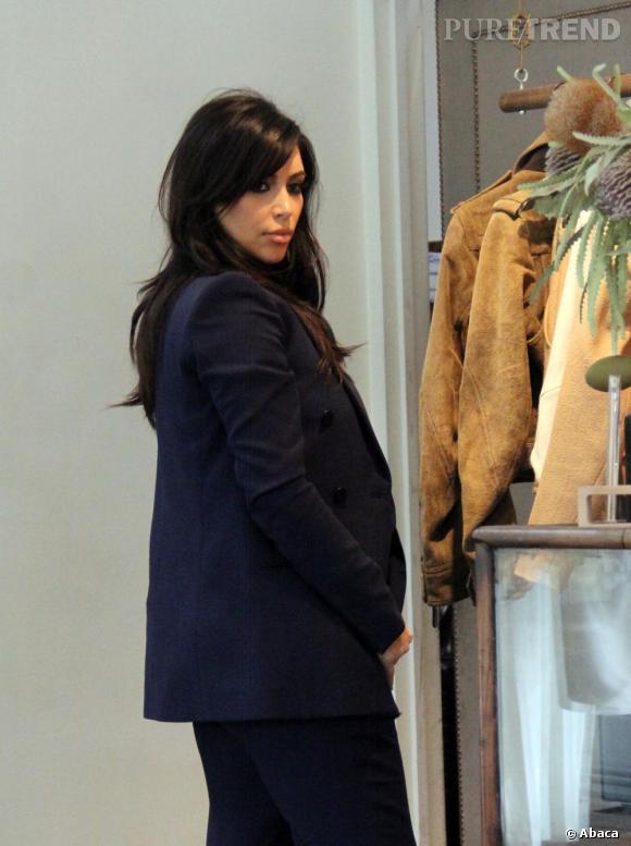 Kim Kardashian, très enceinte à Los Angeles.