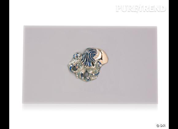 "Must have : minaudière ""Zodiac Pandora"" Charlotte Olympia, 795 €   Signe : Verseau"