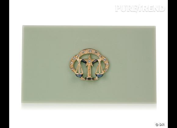 "Must have : minaudière ""Zodiac Pandora"" Charlotte Olympia, 795 €   Signe : Balance"