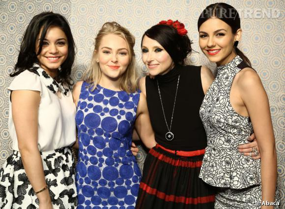 Vanessa Hudgens, Annasophia Robb, Stacey Bendet et Victoria Justice au défilé Alice & Olivia.