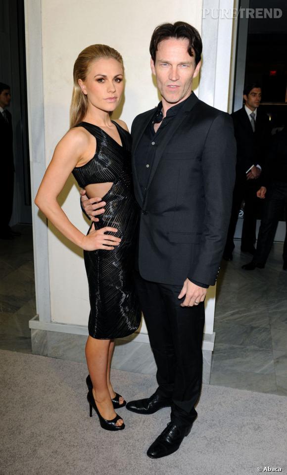 """Anna Paquin dévoile une superbe silhouette post-accouchement, accompagnée de son mari Stephen Moyer, pour la soirée de Tom Ford """"Project Angel Food""""."""