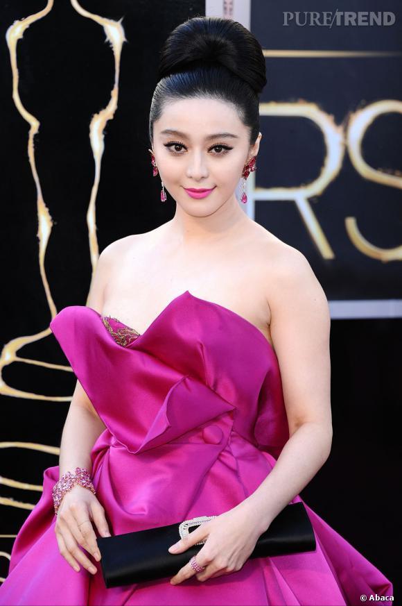L'Oscar 2013 du meilleur chignon boule :  Fan Bingbing. L'actrice chinoise en impose avec cet impressionnant chignon impeccablement lissé.