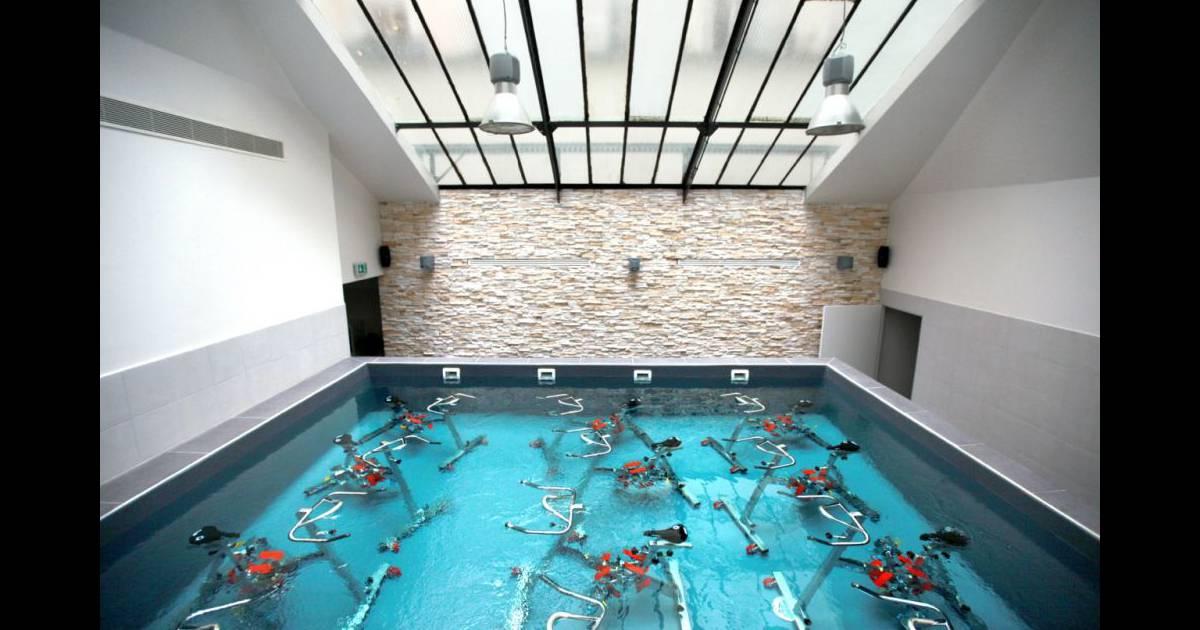 Je waterbike chic et coach e la maison popincourt for Verriere piscine