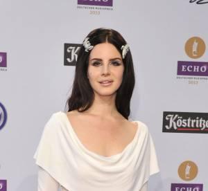 Lana Del Rey joue l'innocence aux Echo Awards de Berlin