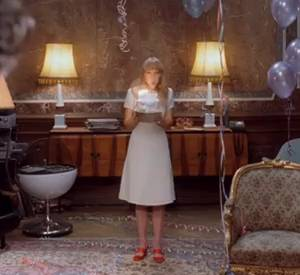 Dans le deuxième épisode, c'est l'anniversaire de l'héroïne Candy.