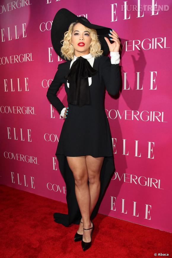 Rita Ora à la soirée Elle Women in Music 2013 à New York. La jeune femme opte pour un total look podium Saint Laurent Printemps-Été 2013.