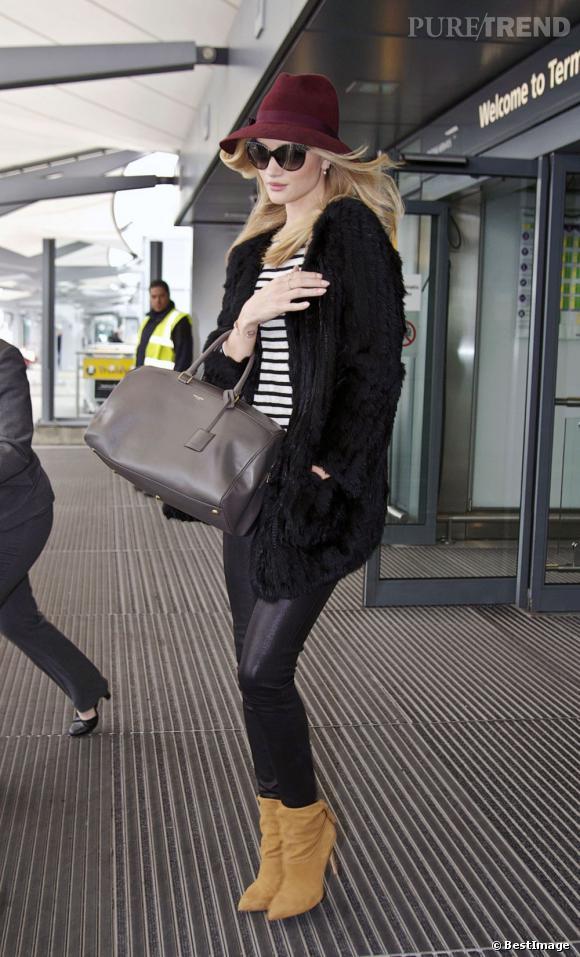 Rosie Huntington-Whiteley à l'aéroport d'Heathrow à Londres, revenant de Los Angeles, le 16 avril 2013.