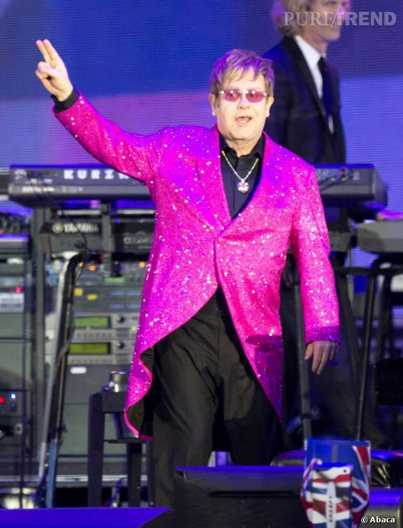 Elton John sera aux Vieilles Charrues cette année.