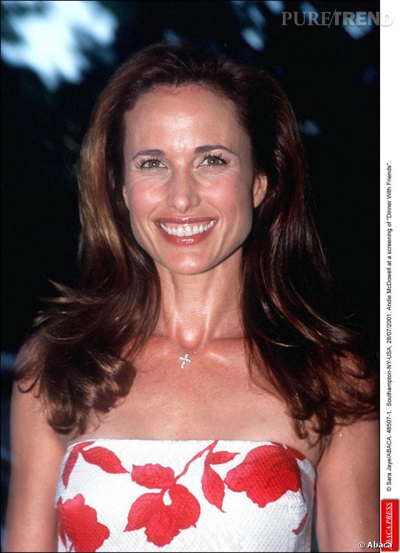 Andie MacDowell en 2003, l'actrice est pleine de charme.