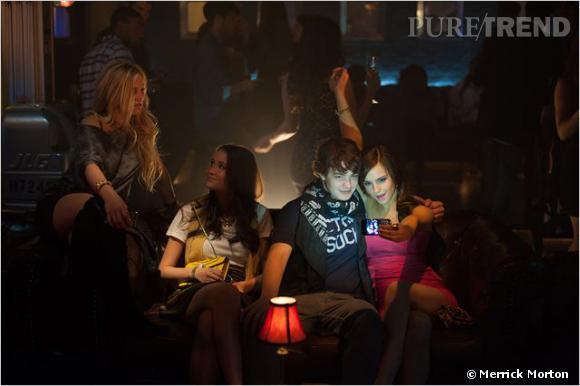 Emma Watson incarne l'un des membres du Bling Ring, une bande d'ados cambrioleurs qui a sévi à Hollywood entre 2008 et 2009.