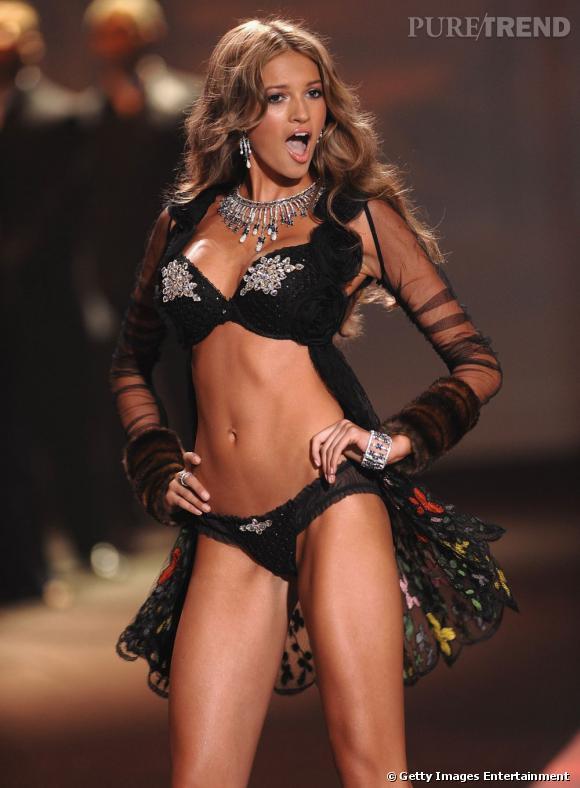 Kylie Bisutti, ex-mannequin Victoria's Secret, raconte son expérience difficile dans le monde du mannequinat...
