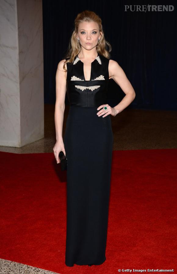Natalie Dormer porte une bague émeraude Elahn Bijoux.