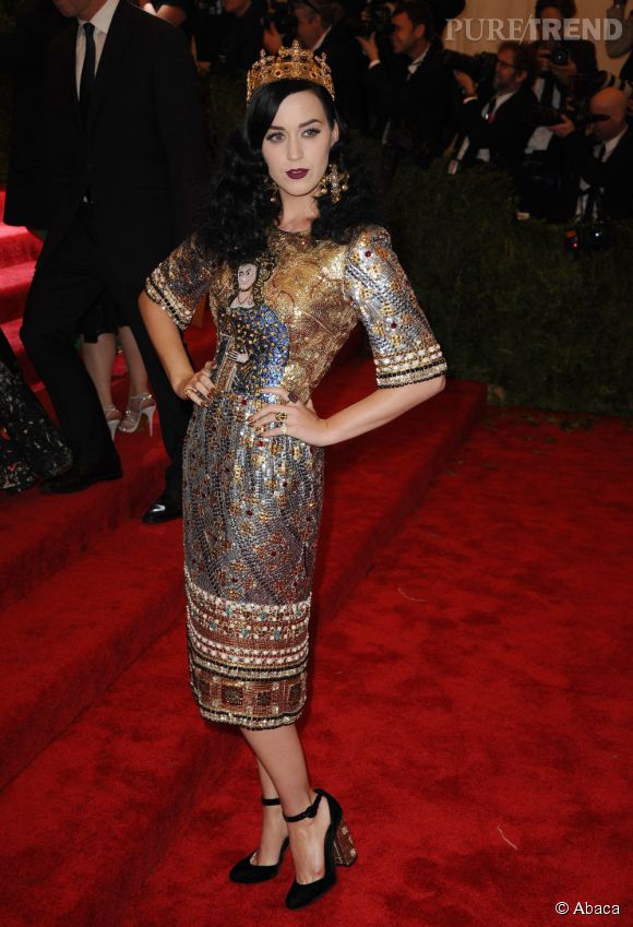 """Katy Perry en Dolce & Gabbana au MET Ball 2013, """"Punk : Chaos to Couture""""."""