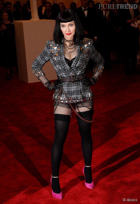 "Madonna en Givenchy et escarpins Casadei au MET Ball 2013, ""Punk : Chaos to Couture""."