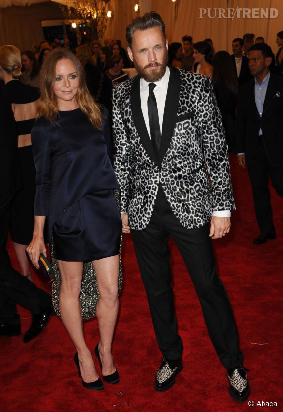 """Stella McCartney au MET Ball 2013, """"Punk : Chaos to Couture""""."""