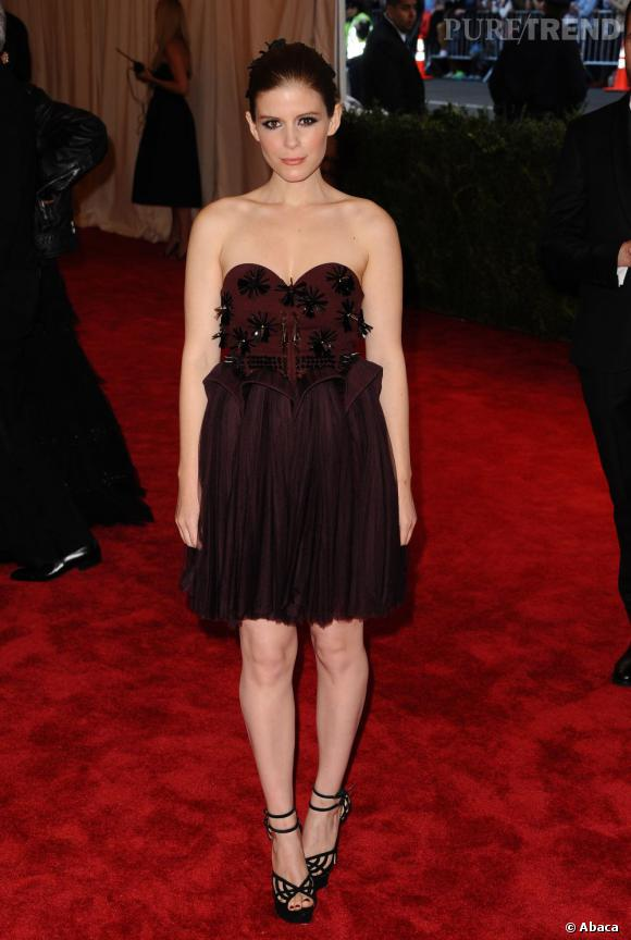 "Kate Mara dans une robe Delpozo au MET Ball 2013, ""Punk : Chaos to Couture""."