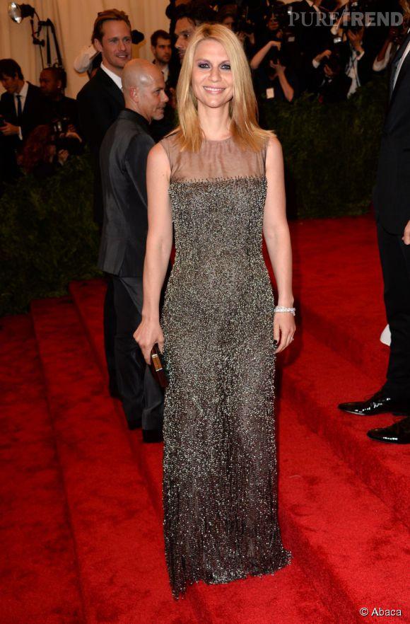 """Claire Danes porte une robe Oscar de la Renta au MET Ball 2013, """"Punk : Chaos to Couture""""."""