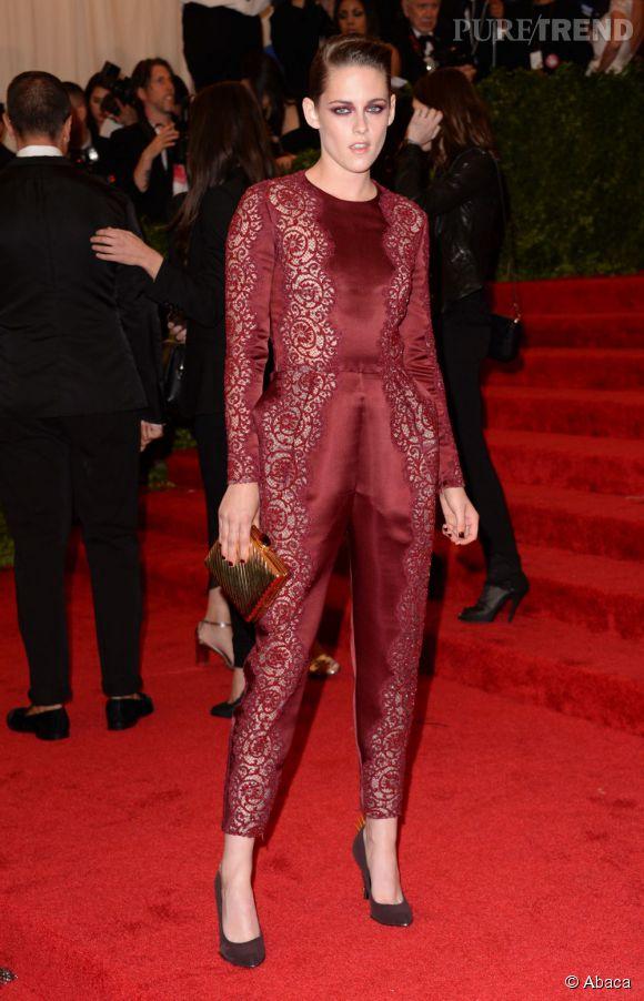 "Kristen Stewart opte pour un total look Stella McCartney au MET Ball 2013, ""Punk : Chaos to Couture""."