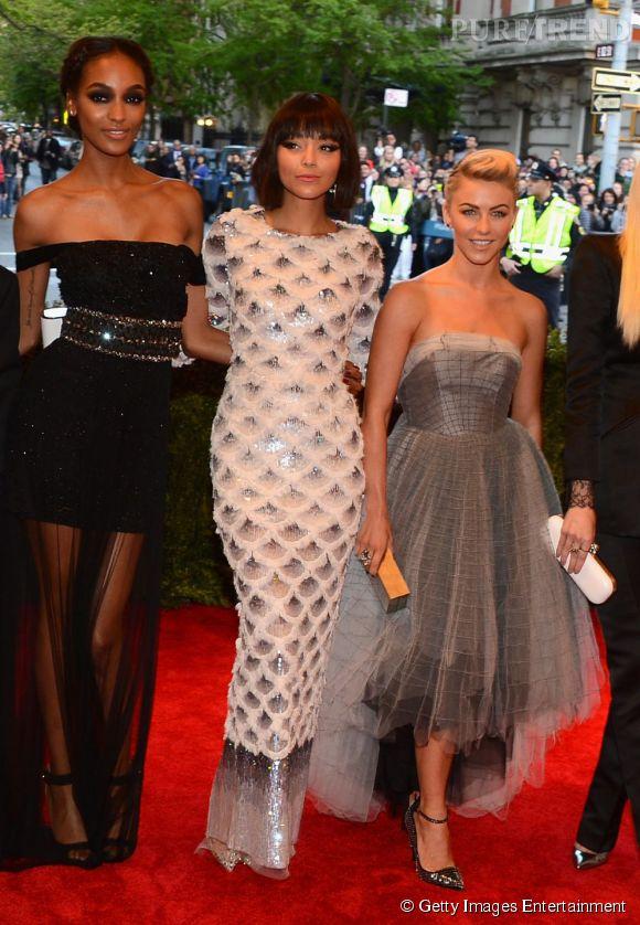 "Jourdan Dunn, Ashley Madekwe et Julianne Hough, toutes les trois en robe Topshop, au MET Ball 2013, ""Punk : Chaos to Couture""."