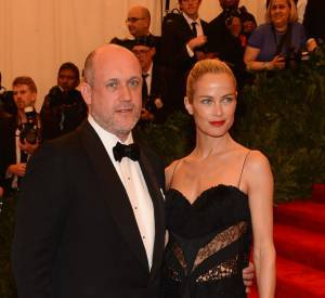 "Carolyn Murphy, en total look Nina Ricci, avec Peter Copping au MET Ball 2013, ""Punk : Chaos to Couture""."
