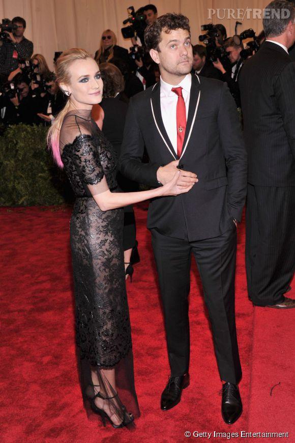 """Diane Kruger en robe Chanel Haute Couture et bijoux Jacob & Co, ainsi que Joshua Jackson en Dior Homme au MET Ball 2013, """"Punk : Chaos to Couture""""."""