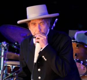 Bob Dylan, ''indigne'' de recevoir la Legion d'honneur selon le grand chancelier