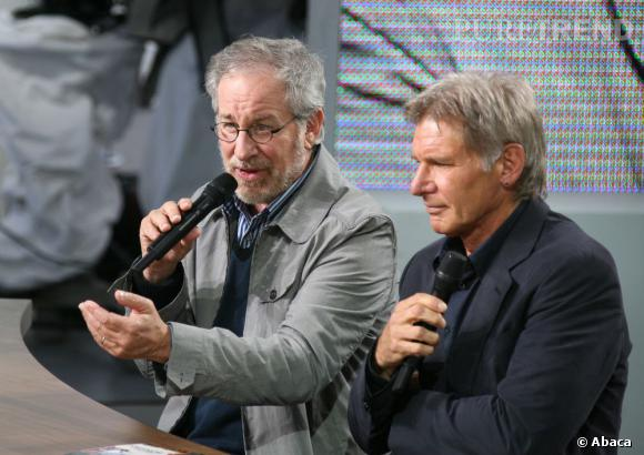 Steven Spielberg et son Indiana Jones Harris Ford sur le plateau du Grand Journal de Cannes en 2008.